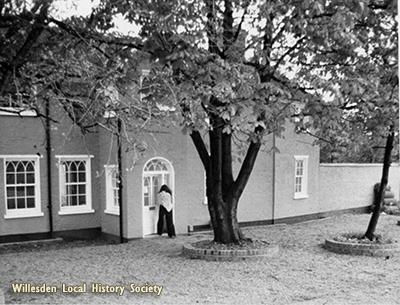 Val Bott & Grange Museum 1975